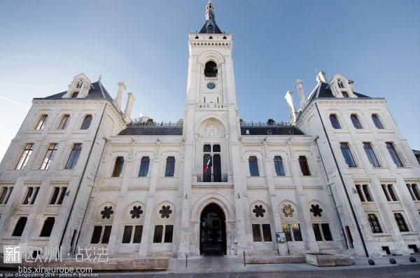 facade-hotel-de-ville1-600x397.jpg